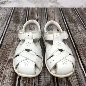 Toddler Stride Rite White Tulip Sandals Size 5.5M
